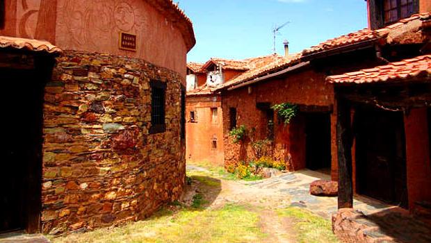 Pueblos rojos Sierra Ayllón