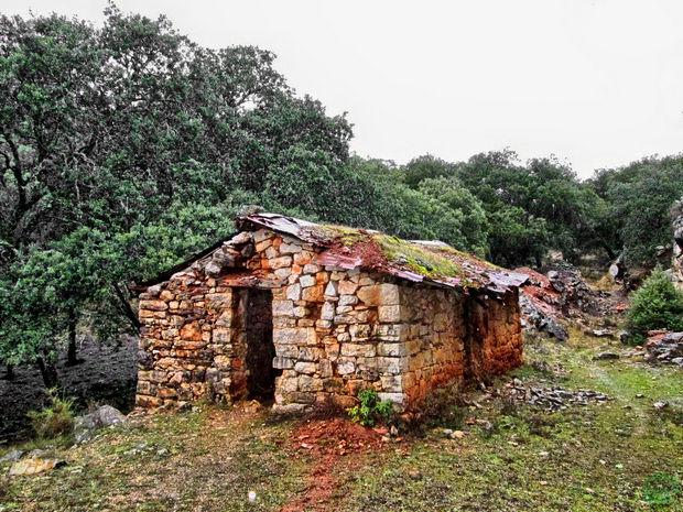 Casa abandonada Monasterio Bonaval Tamajón