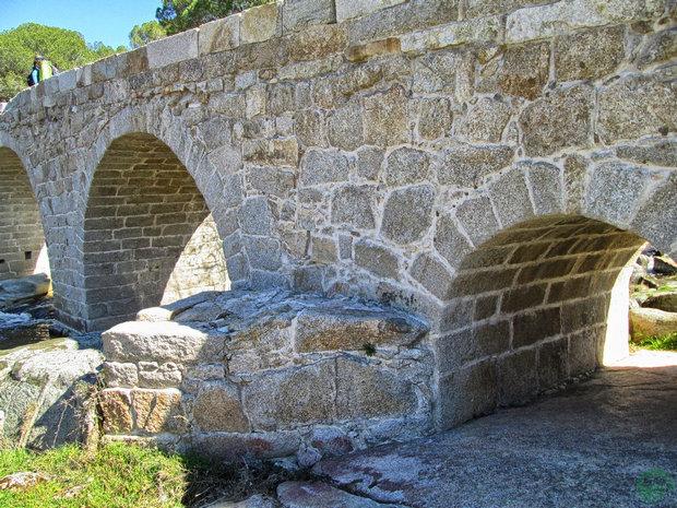 Puente Valdemaqueda
